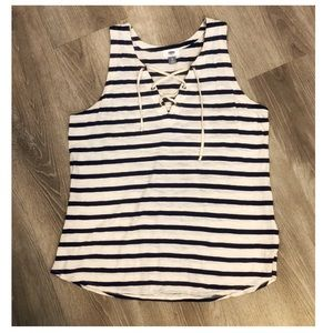 Old Navy Lace-Up tank top - Size XL